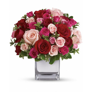 Love Medley Red and Pink Rose Bouquet - Flower Arrangement